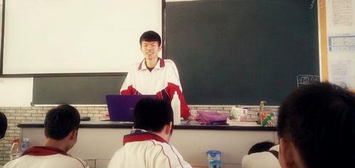 学生上课(图片)